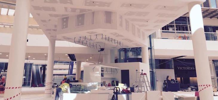 Apre Center oltre Shopping Arese 200 con 14 aprile negozi il XR4qgrRnU