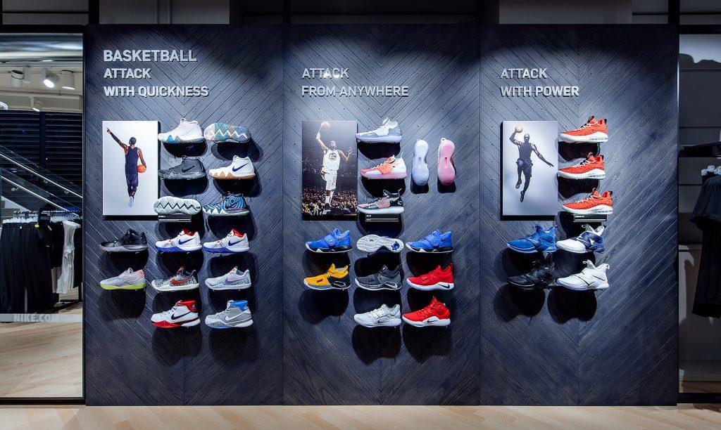 Tra experience e servizi Nike apre a Milano il più grande store d ... eaa843601b30