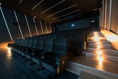 Sala 2 con luci da proiezione